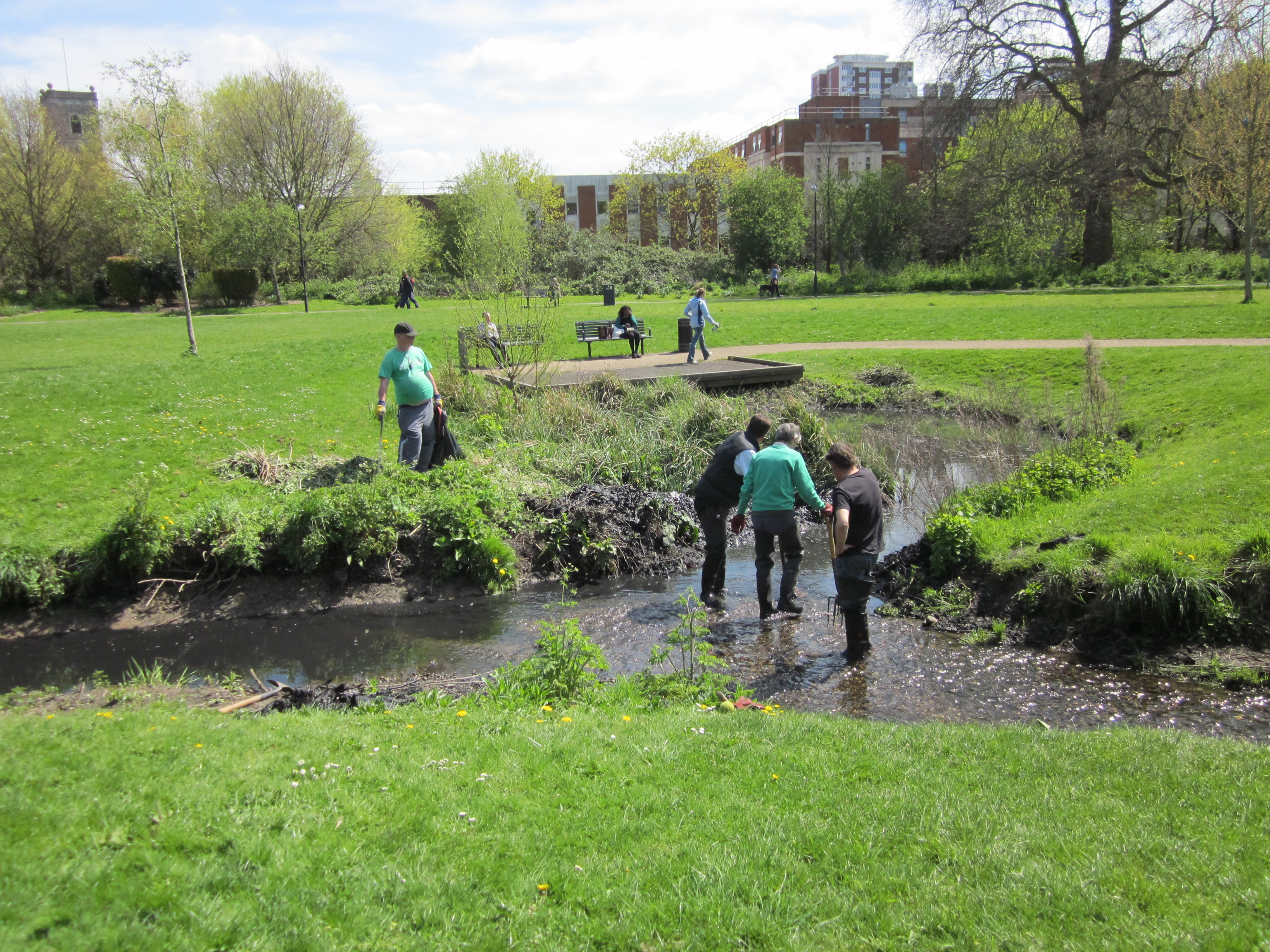 Take part in our river volunteering sessions